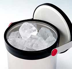 氷が溶けにくいサーモスアイスペール