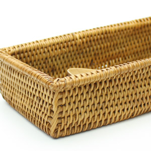 アタ製カトラリーケース・バスケットは、編みこみが丁寧。