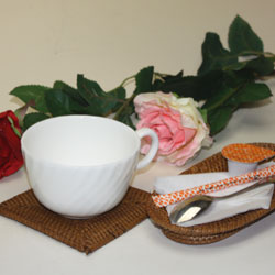 バリ・アタ製おしぼり置き(トレイ)は、とってもオシャレ。
