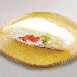 サンドでパンだでフルーツサンド