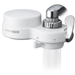 高性能薄型浄水器 クリピーレフィノのシャワー放水。