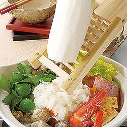 竹製鬼おろし器で、鍋にそのまま大根をおろせます。
