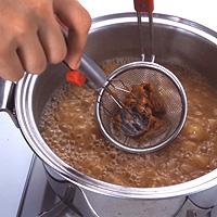 あとはそのまま鍋で味噌を溶かすだけ!