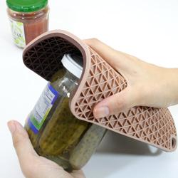 シリコン製グリッド鍋敷き (チョコブラウン/ベージュ)は、缶あけにも大活躍!