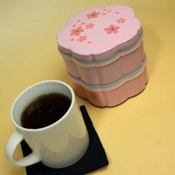 【日本製】二段オードブル重箱 舞桜 黒(小)ミニサイズだから、持ち運びも楽チン。