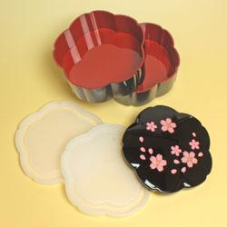 【日本製】二段オードブル重箱 舞桜 黒(小)の中はこんな感じです。