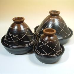 兜タジン鍋・丸は大中小の3サイズ。