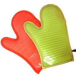 Trudeau (トルーデュー)シリコン・オーブンミット(レッド)カラーは、レッドとグリーンの2色