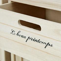 桐製・収納3段ボックス(チェスト)は、可愛いロゴが描かれています。